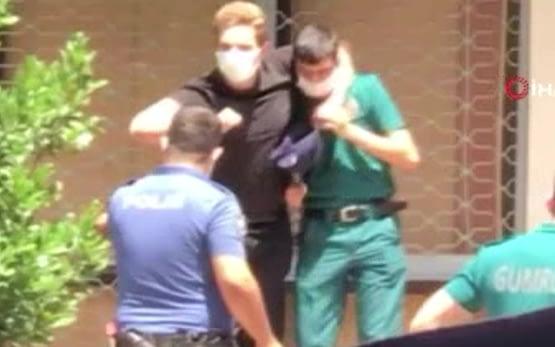 İzmir'de engelli memuru bıçakla rehin alıp kabusu yaşattı